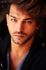Straight - Demir Kovaci (Model)
